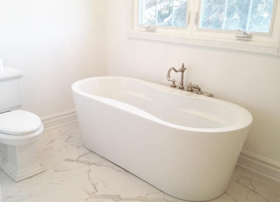 Main Bath pic 2